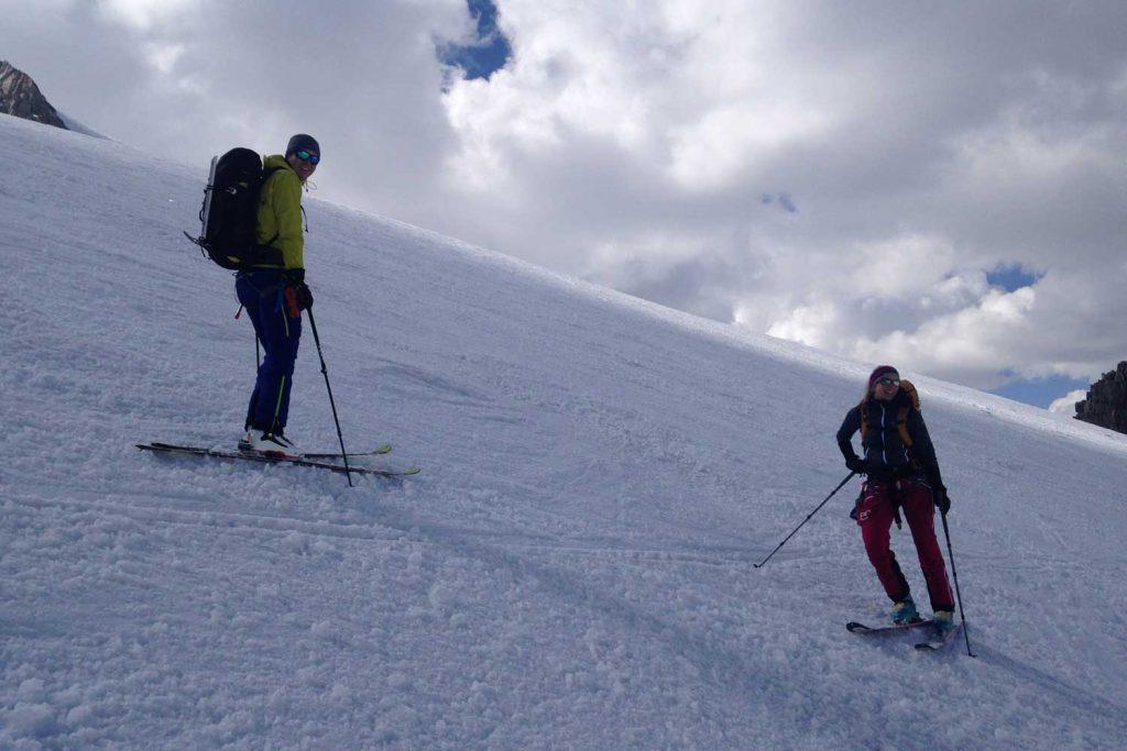 Haute-Route-Chamonix-Zermatt---Abfahrt-über-den-Rognon-Gletscher