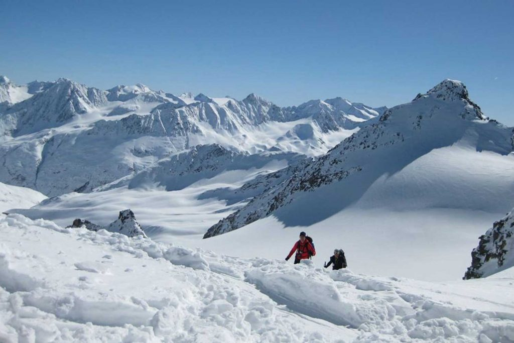 Skihochtourenkurs---Gipfelanstieg-Fluchtkogel