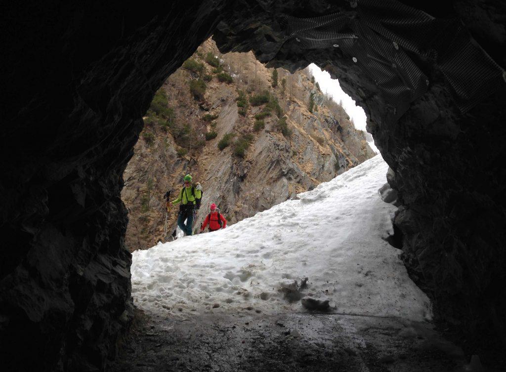 Skiroute-Hoch-Tirol---AM-Tunnel-kurz-vorm-Kalser-Tauernhaus