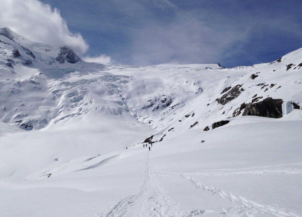 Skiroute-Hoch-Tirol---Abfahrt-nach-Matzrei-über-den-Unteren-Keesboden