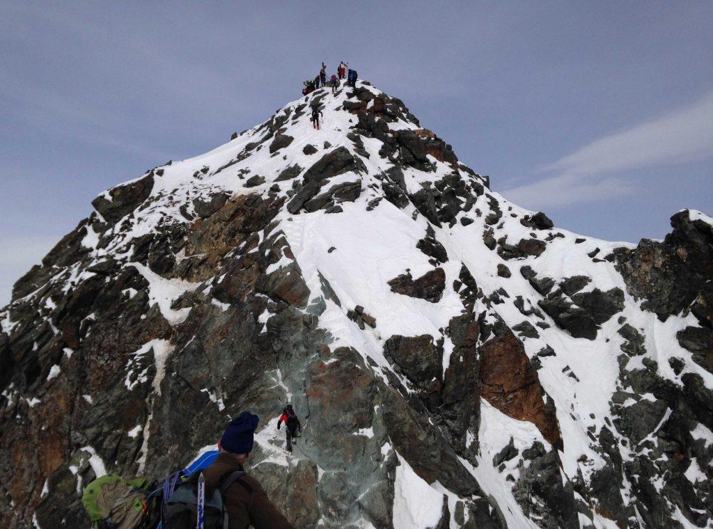 Skiroute-Hoch-Tirol---Am-Gipfelgrat-des-Großglockner