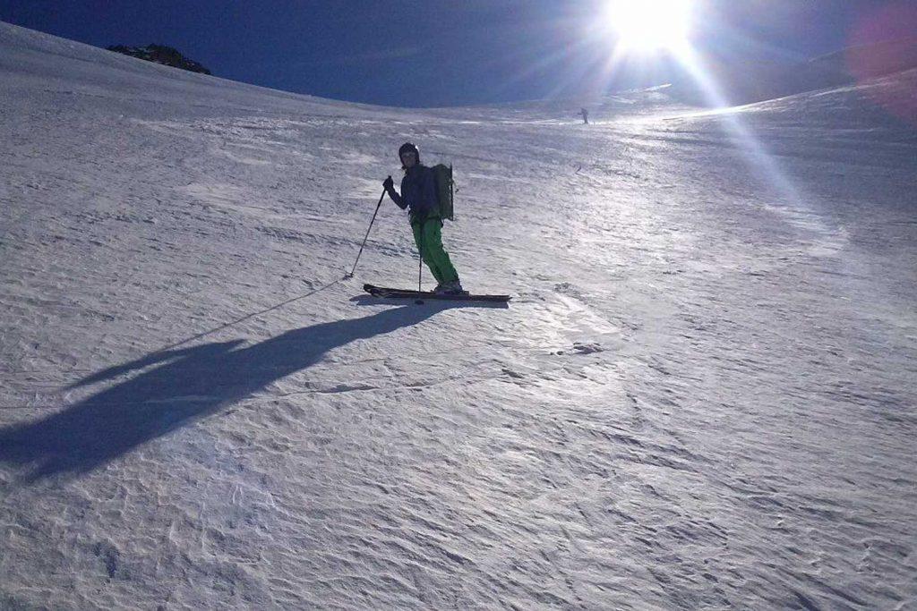 Skitour-Ötztaler-Wildspitz---Abfahrt-am-Taschachferner