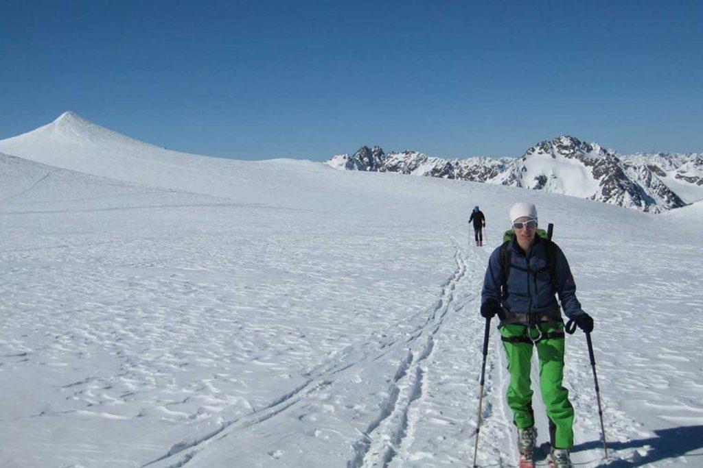 Skitour-Ötztaler-Wildspitz---Aufstieg-am-Taschachferner
