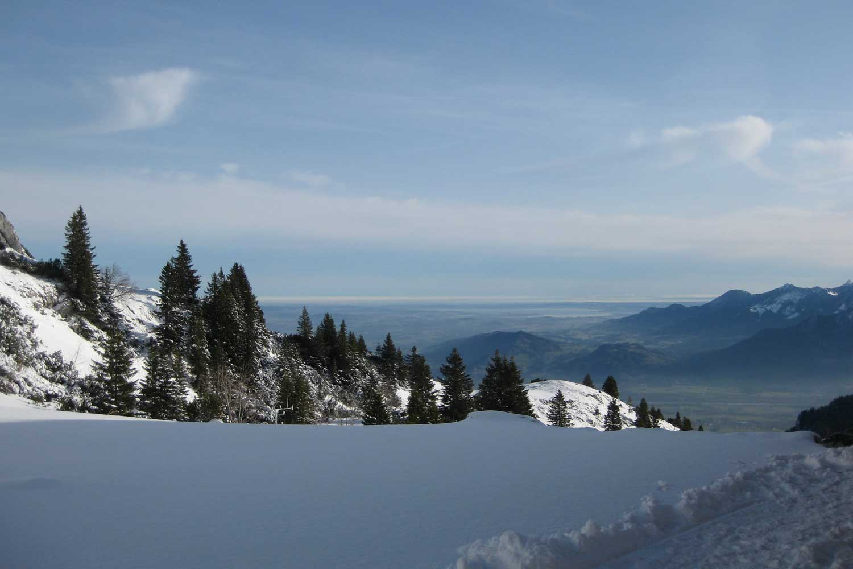 Skitour-Bayernduett-Teil-2----Soinhütte-mit-Blick-ins-Inntal