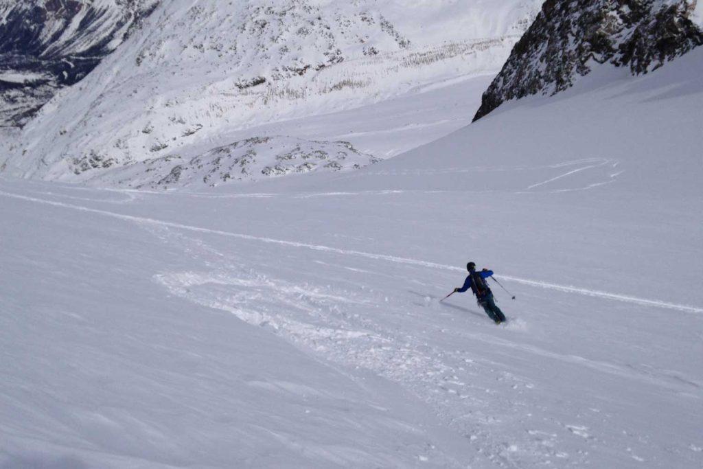 Skitour-Piz-Palü---Abfahrt-zum-Morteratschgletscher