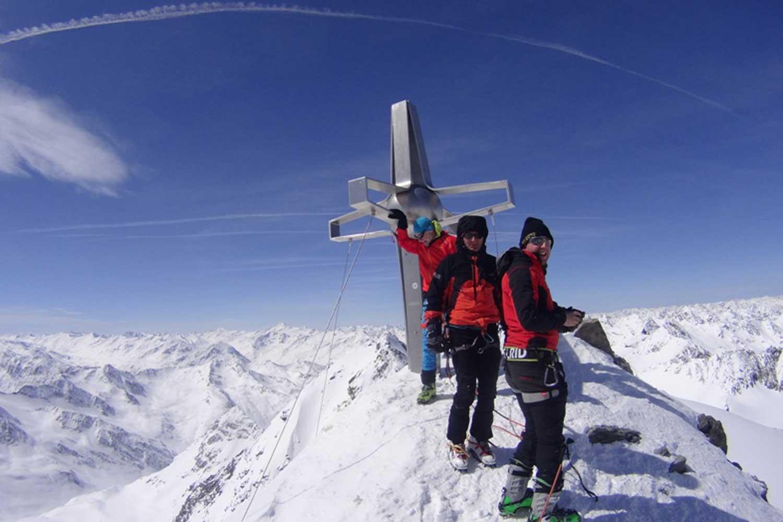 Skitour-Zuckerhütl-im-Stubaital---Gipfel