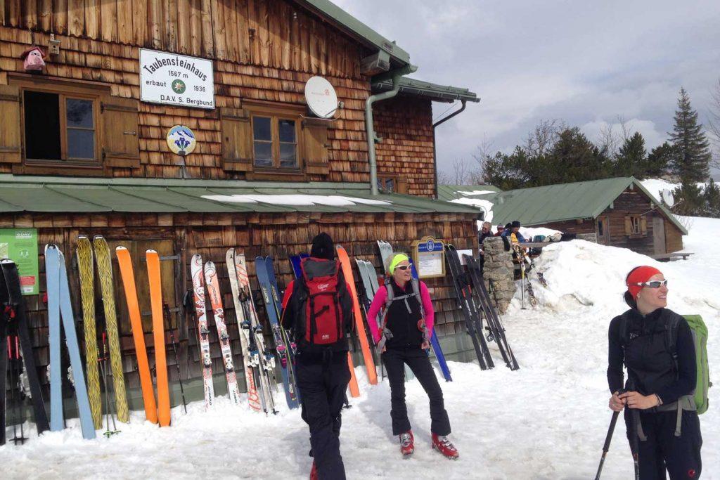 Skitour-für-Einsteiger-im-Spitzingseegebiet---Taubensteinhaus-Rotwand-Reib´n