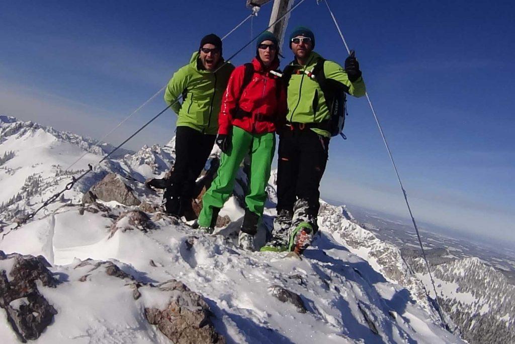 Skitour-für-Einsteiger-im-Wendelsteingebiet---Wildalpjoch-Gipfel