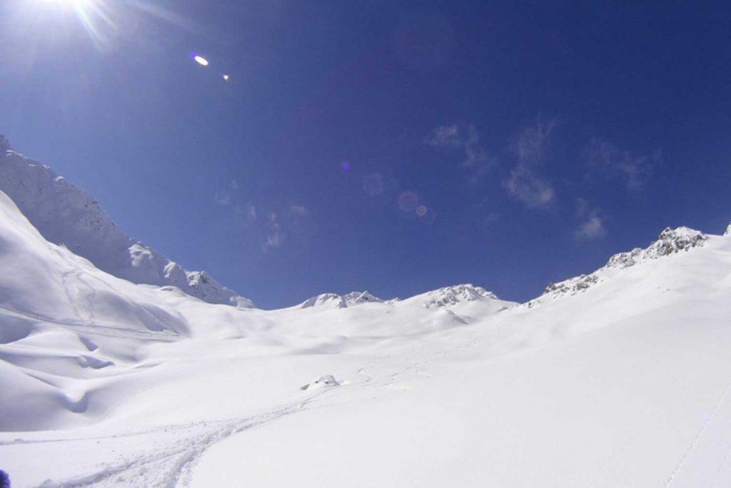 Skitouren-im-Montafon---Sonne-und-Neuschnee