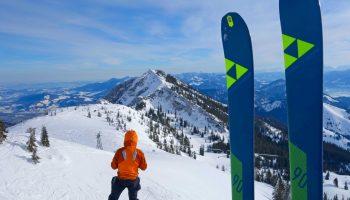 Skitourenkurs-für-Einsteiger---Lacherspitz-mit-Blick-zum-Wildalpjoch