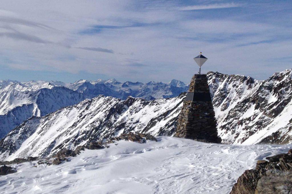 Venter-Runde---Tisenjoch-Ötzi-Fundstelle-mit-Königspitze-im-Hintergrund