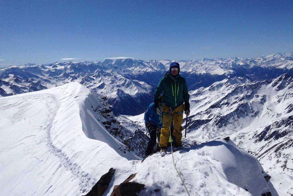 Venter-Runde---Weißkugel-Gipfelgrat-mit-Blick-zur-Ortlergruppe