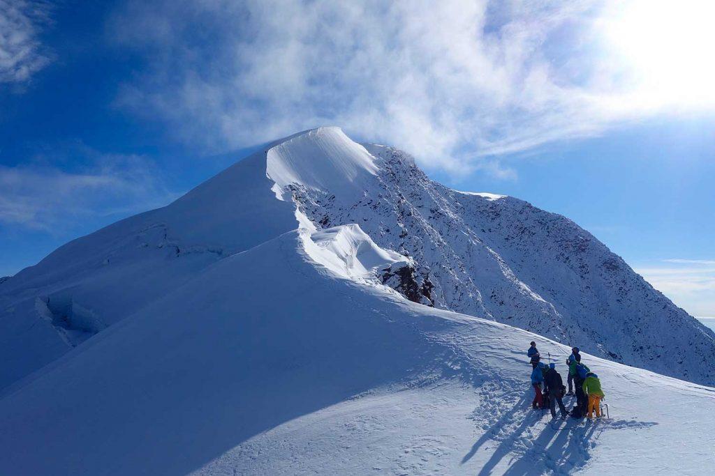 4000er-für-Einsteiger---Gipfelanstieg-Weissmiess