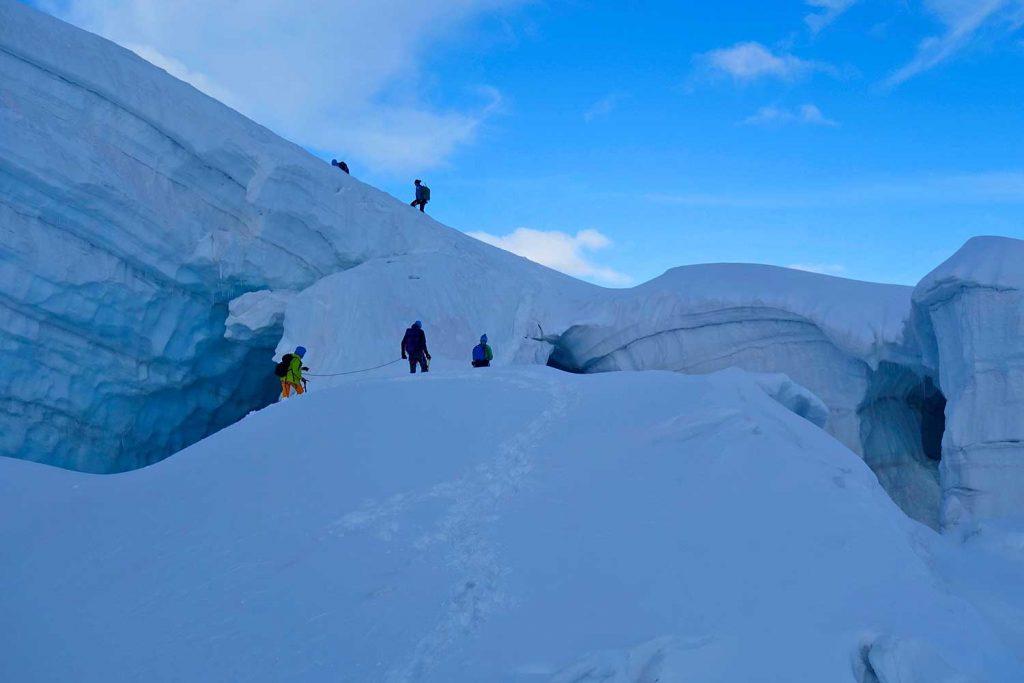 4000er-für-Einsteiger---Spalten-am-Weg-zur-Weissmiess
