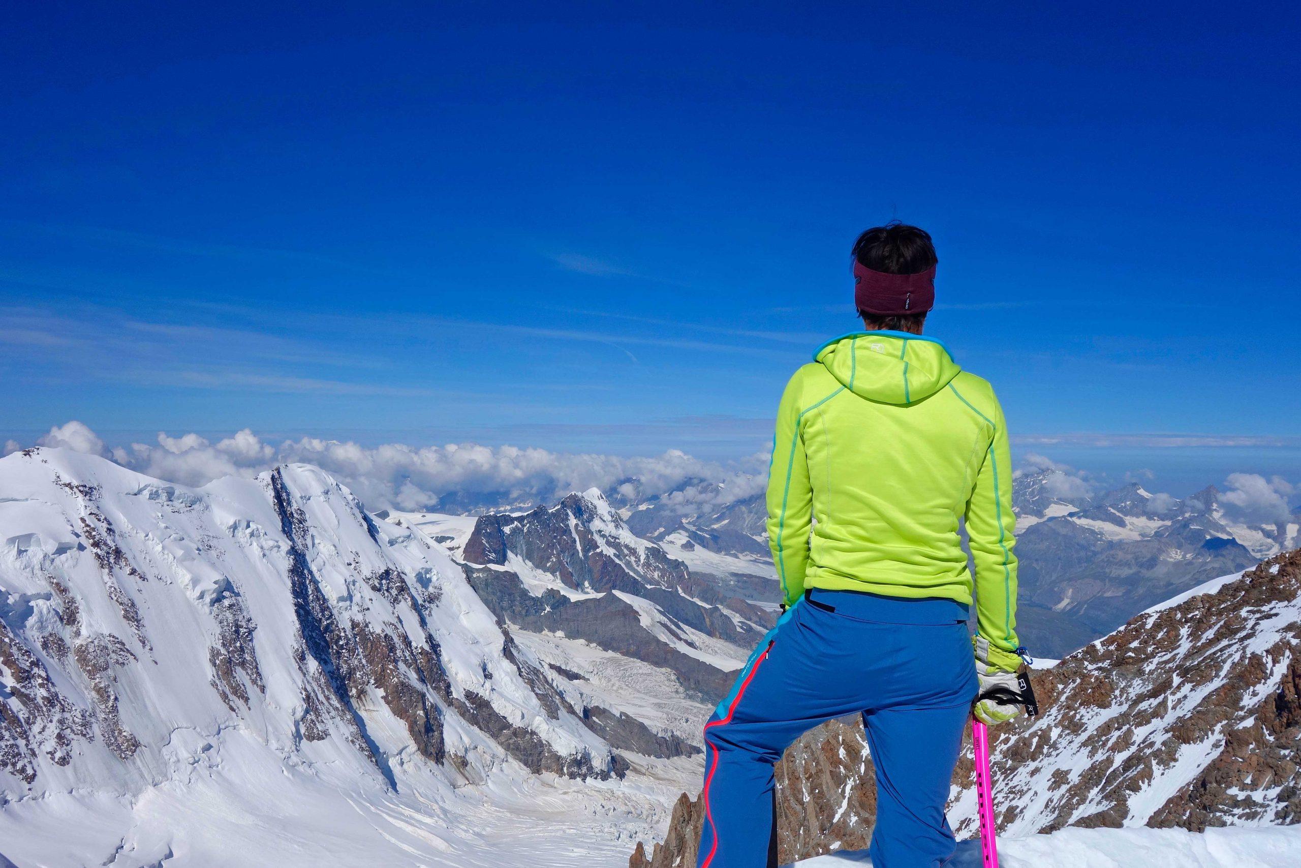 4000er-im-Wallis-Monte-Rosa---Zumsteinspitze-mit-Blick-Richtung-Zermatt