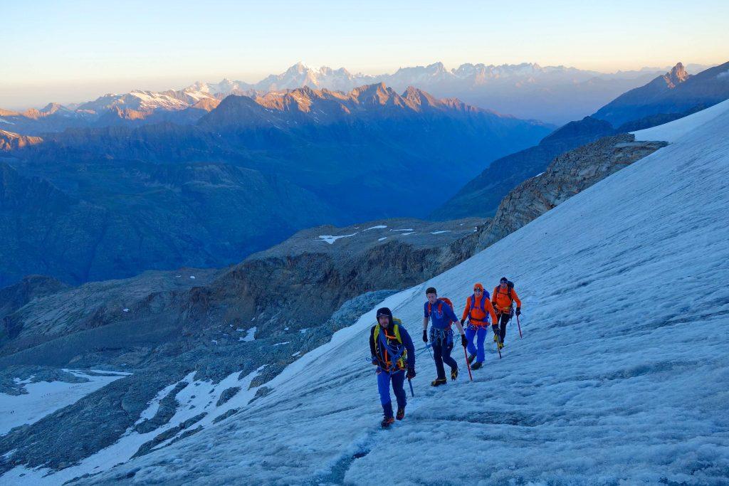 4000er-im-Wallis-Monte-Rosa---Zustieg-Gran-Paradiso