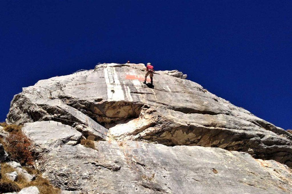 Alpine-Erlebnistage-Sommer---Abseilen