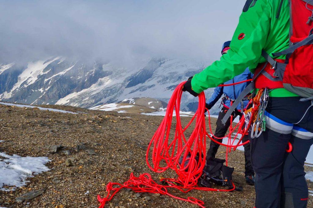 Hochtourenkurs-für-Fortgeschrittene---Vorbereiten-für-den-Gletscher
