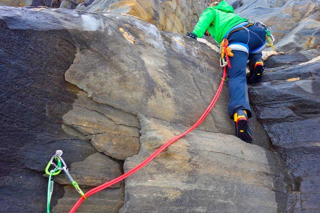 Hochtourenkurs-für-Fortgeschrittene---Vorstieg-im-alpinen-Gelände
