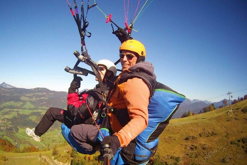 Klettern-an-der-Kampenwand---Gleitschirmfliegen