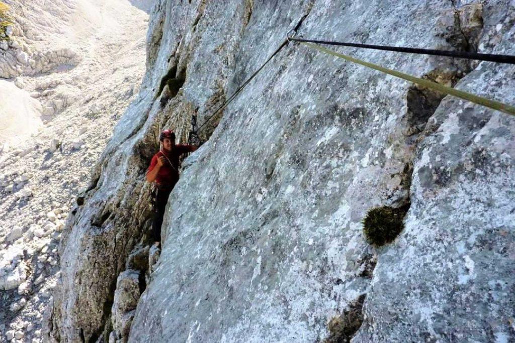 Klettern-im-Wilden-Kaiser---Dülferführe-Fleischbank-Ostwand-Seilzugquergang