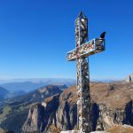 Klettern-in-den-Dolomiten---Gipfelkreuz-Dolomiten