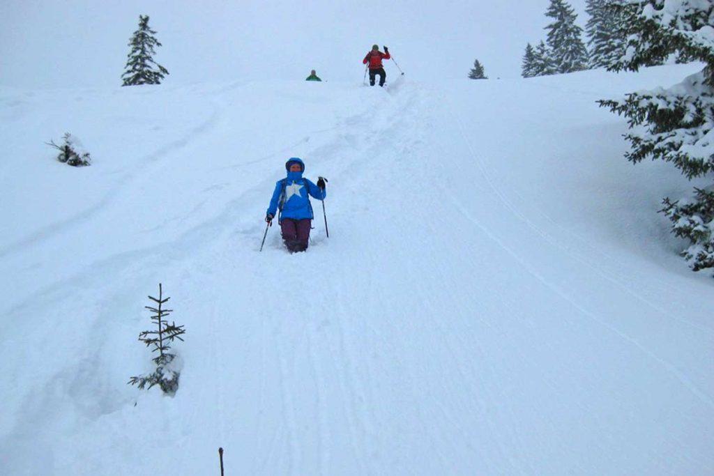 Lacherspitz-als-Winterwanderung---Abstieg-bei-Neuschnee