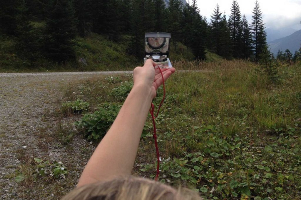 Orientierungskurs-Peilen-mit-Kompass