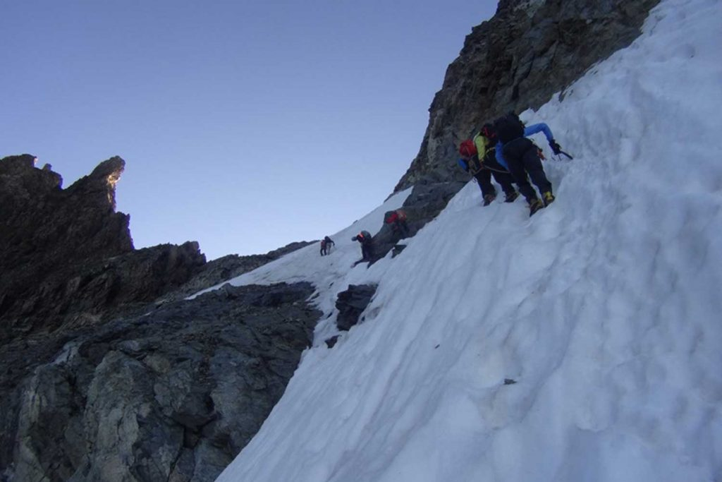 Piz Bernina mit Biancograt Anstieg zur Fuorcla Prievlusa