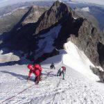 Piz Bernina mit Biancograt mit Blick zum Piz Morteratsch