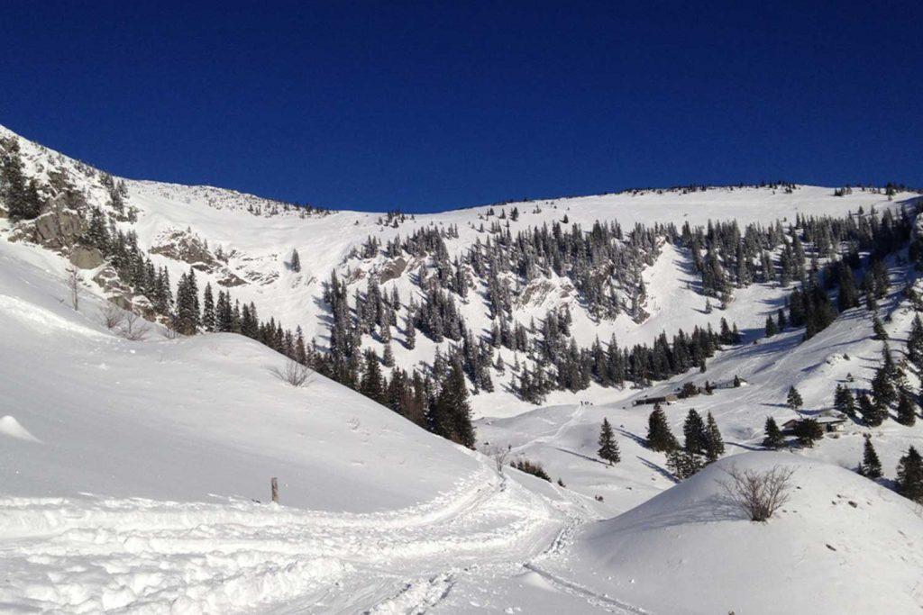 Schneeschuhtour-Jägerkamp---Blick-zum-Gipfel