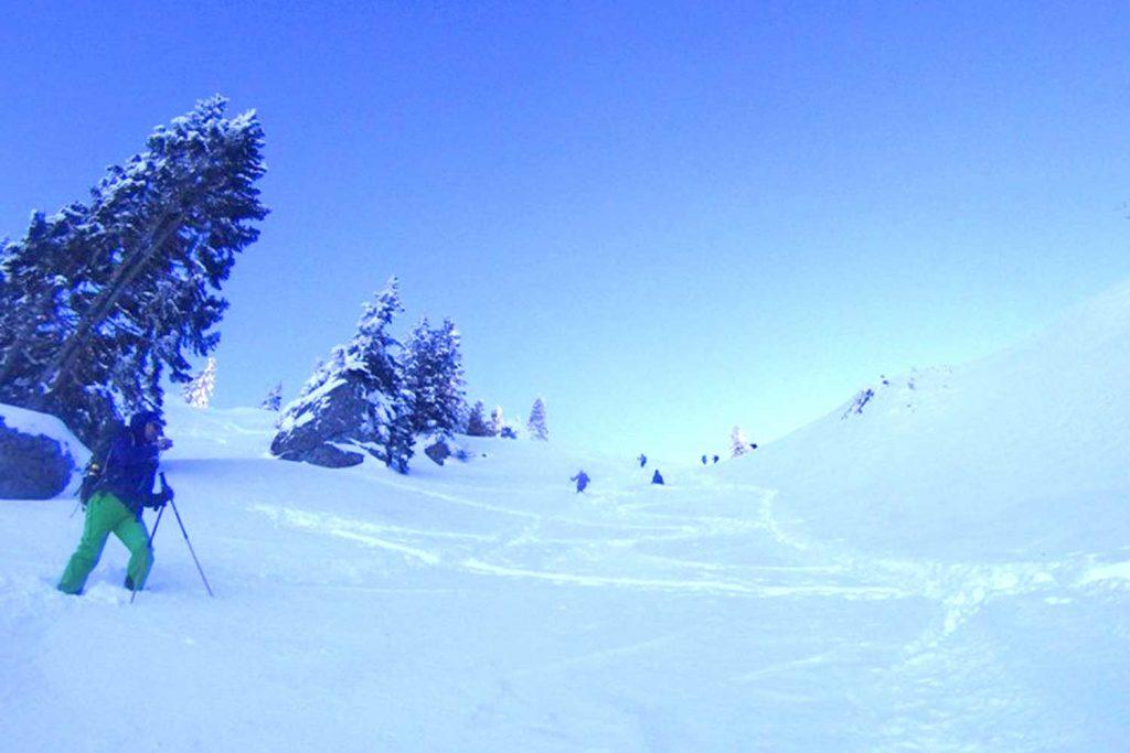Schneeschuhtour-Rund-um-den-Spitzingsee---Kurz-vorm-Bodenschneid-Gipfel