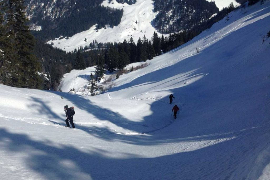 Schneeschuhtour-Rund-um-den-Spitzingsee---Nordanstieg-zur-Bodenschneid