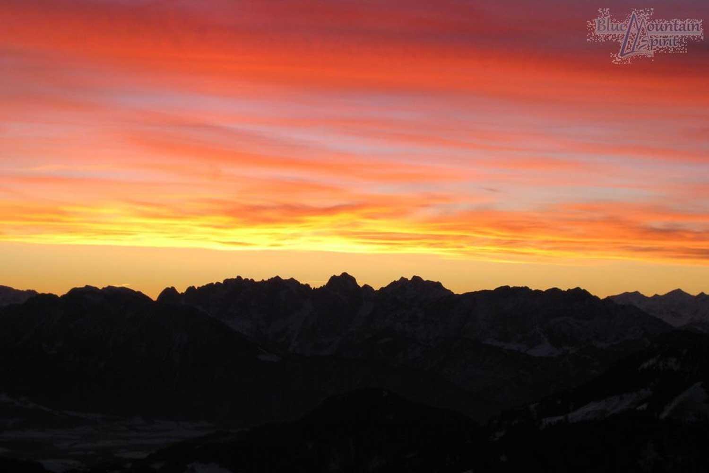 Sonnenauf--und-Sonnenuntergangstour---Schneeschuhtour-bei-Sonnenaufgang