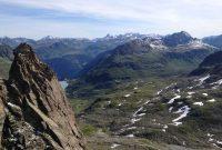 Wandern in der Silvretta - Blick auf die Silvretta Hochalpenstraße