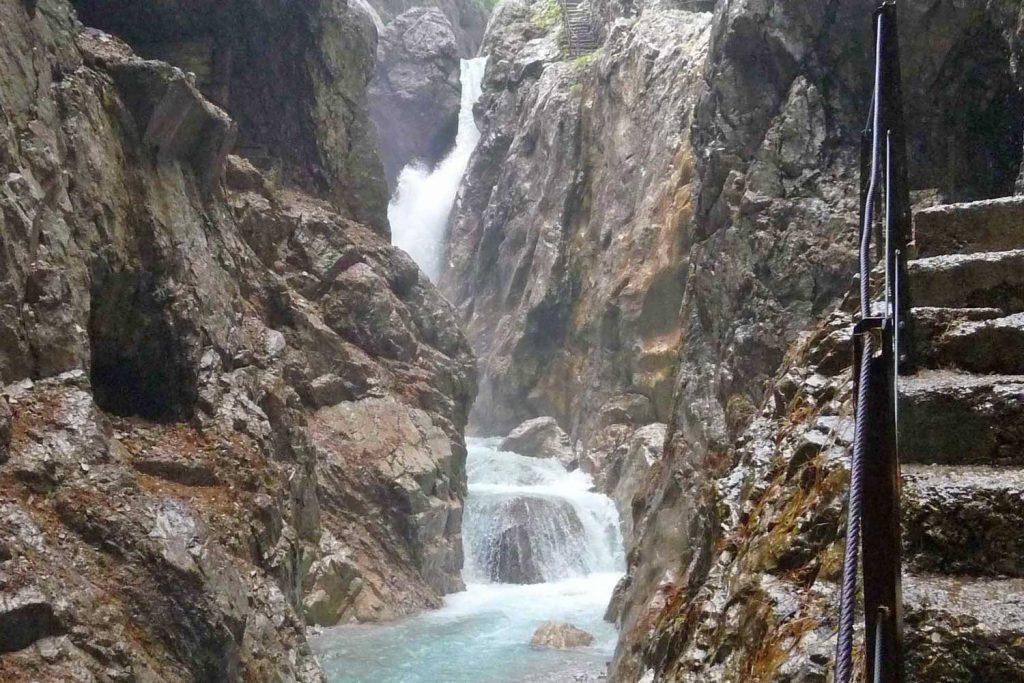 Wanderung-in-4-Tagen-durchs-Wetterstein--In-der-Höllentalklamm
