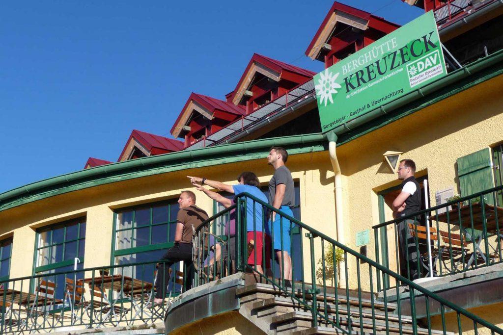 Wanderung-in-4-Tagen-durchs-Wetterstein--Perfekte-Übernachtung-Kreuzeckhaus