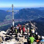 Alpspitz-Klettersteig---Nordwand-Ferrata---Alpspitz-Gipfel-Blick-Richtung-Garmisch-Partenkirchen