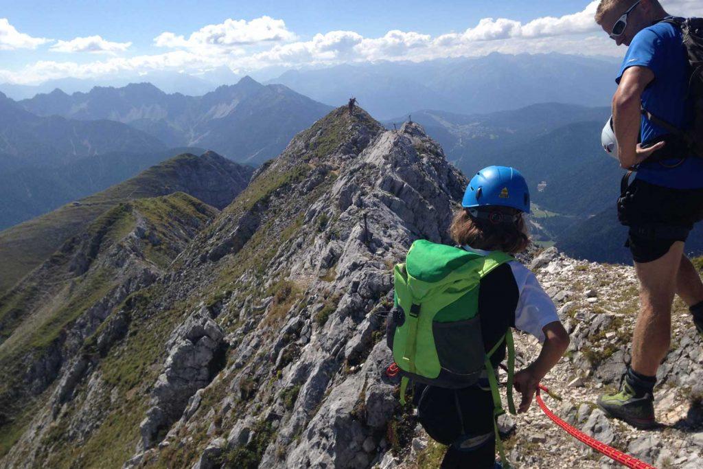 Mittenwalder-Klettersteig---Am-Gratverlauf-beim-Brunnsteinanger