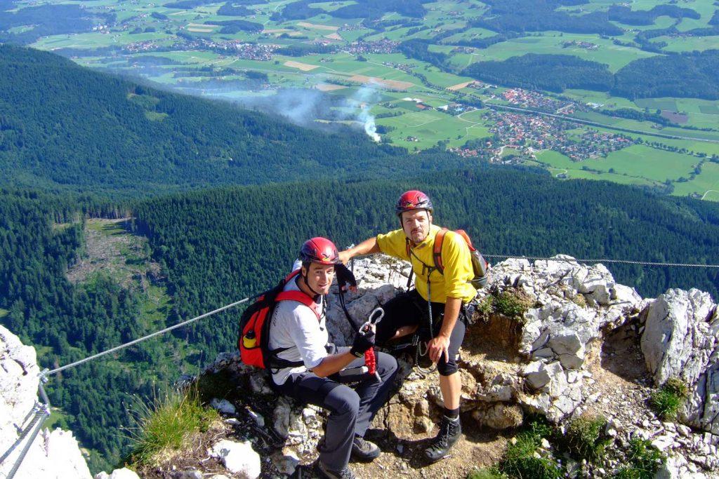 Pidinger-Klettersteig----Im-Mittelteil-beim-pausieren