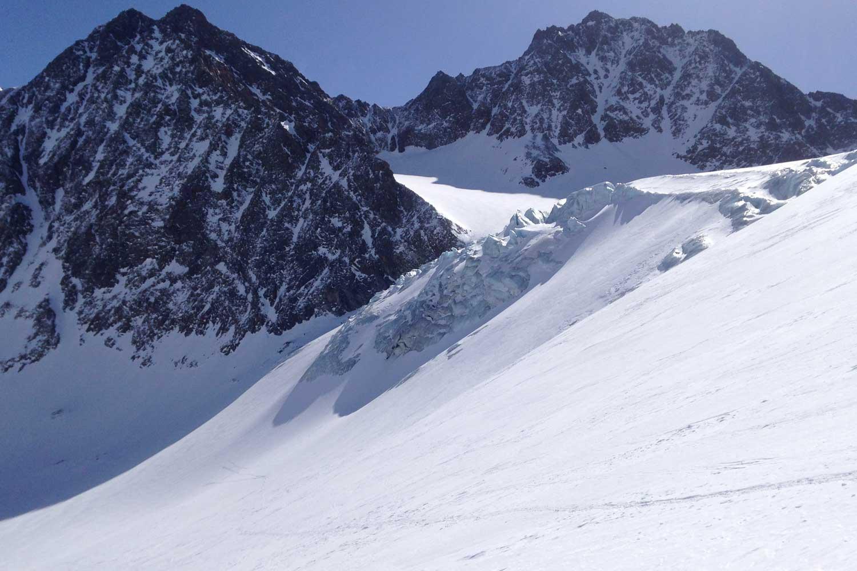 Skidurchquerung-Stubaier-Alpen---Alpeiner-Ferner-Gletscherbruch