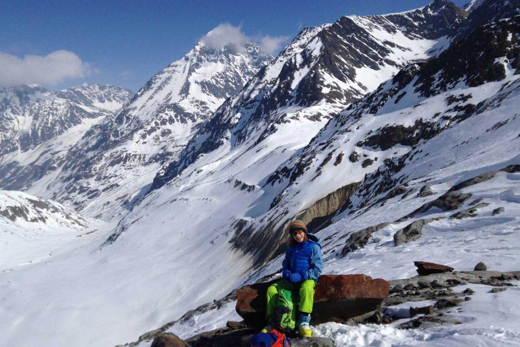 Skidurchquerung-Stubaier-Alpen---Blick-ins-Sulztal-und-zur-Amberger-Hütte