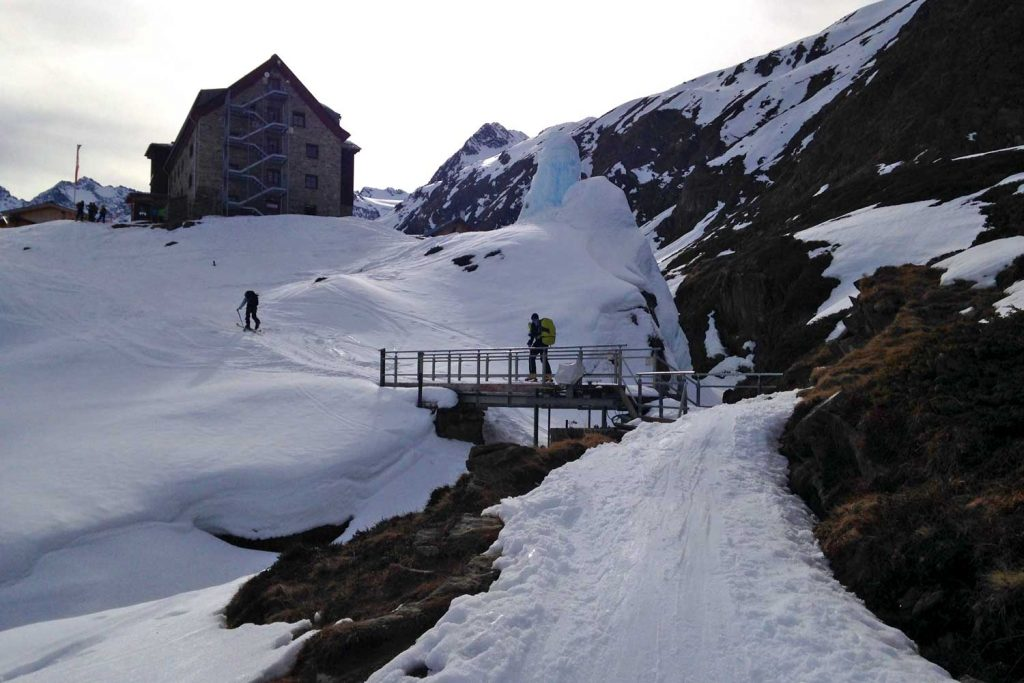 Skidurchquerung-Stubaier-Alpen---Franz-Senn-Hütte