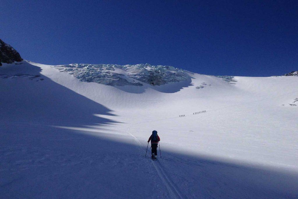 Skidurchquerung-Stubaier-Alpen---Zustieg-Ruderhofspitze