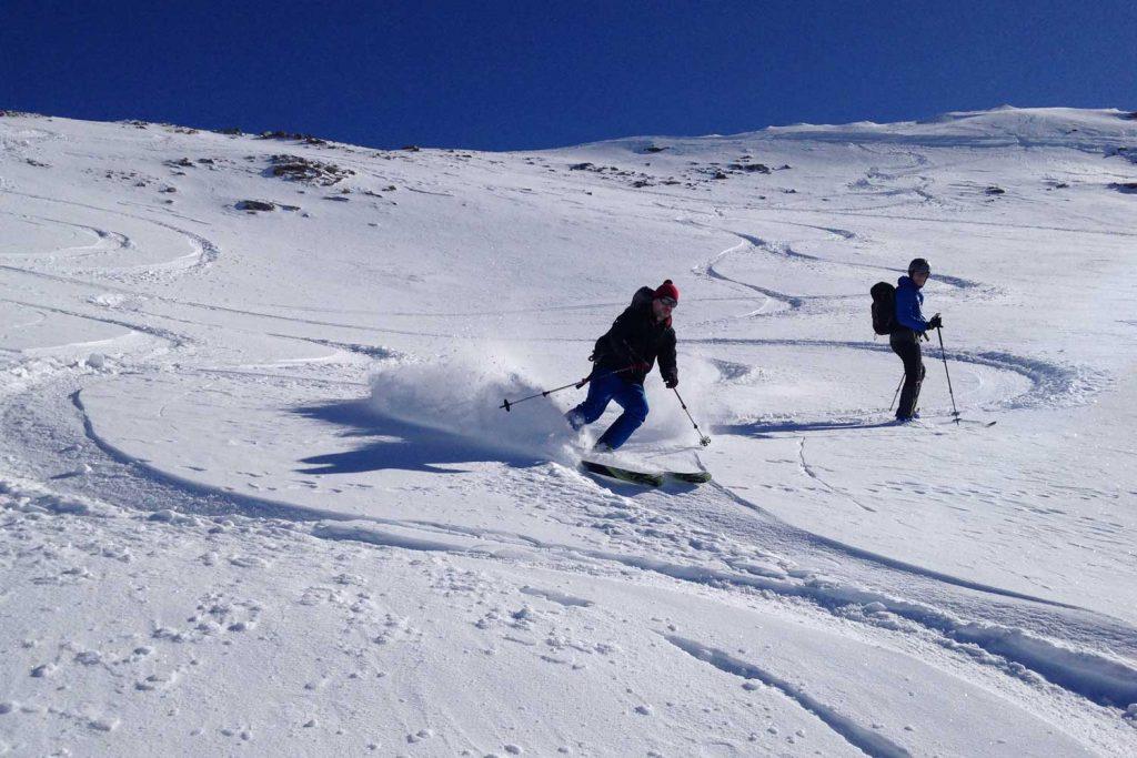Skitourenkurs-Heidelberger-Hütte---Abfahrtsfreuden