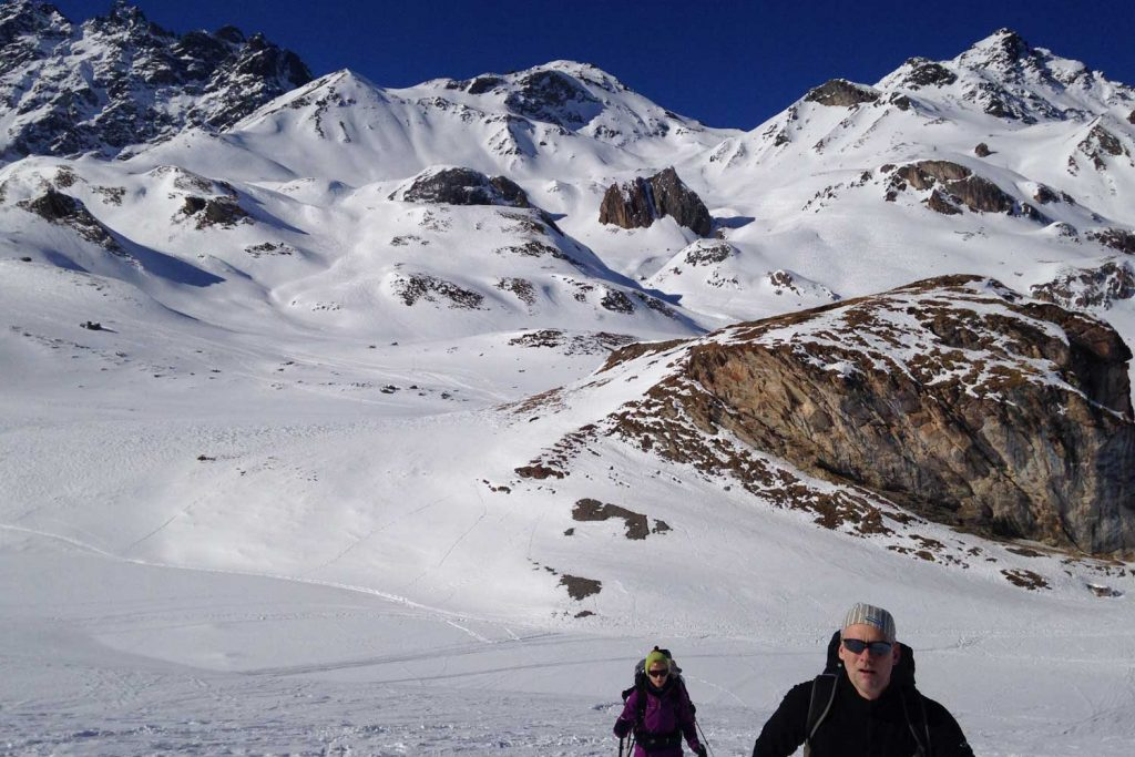 Skitourenkurs-Heidelberger-Hütte---Blick-zur-Heidelberger-Hütte