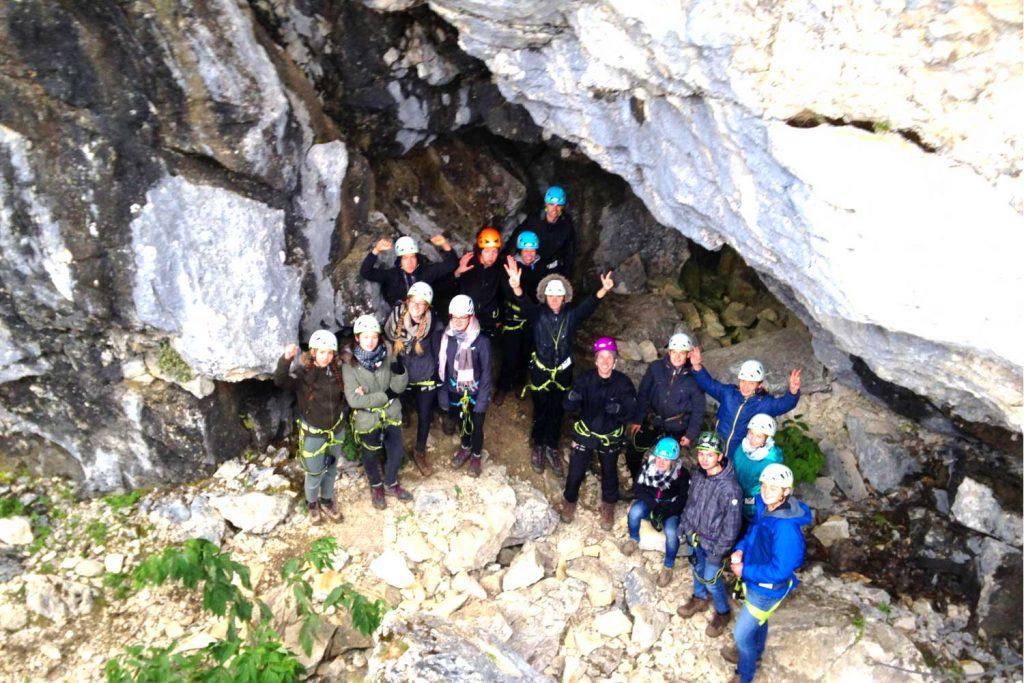 Teambuilding-Seminar---Gruppe-im-Klettersteig