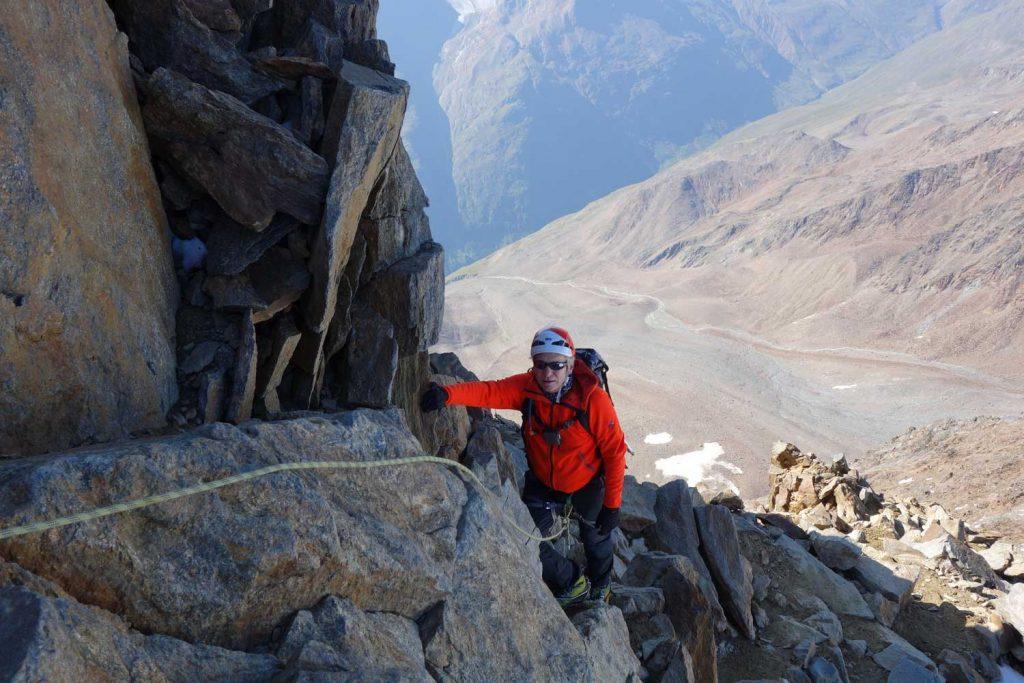 Ötztaler-Wildspitze---Schlüsselstelle-am-Gipfelgrat