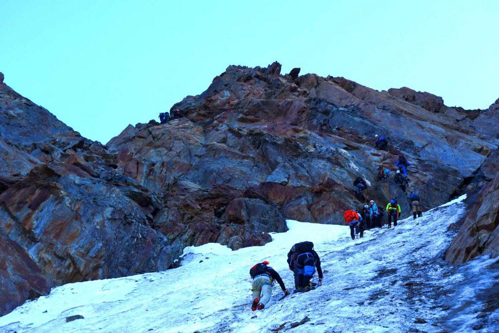 Ötztaler-Wildspitze---Zustieg-zum-Mitterkarjoch
