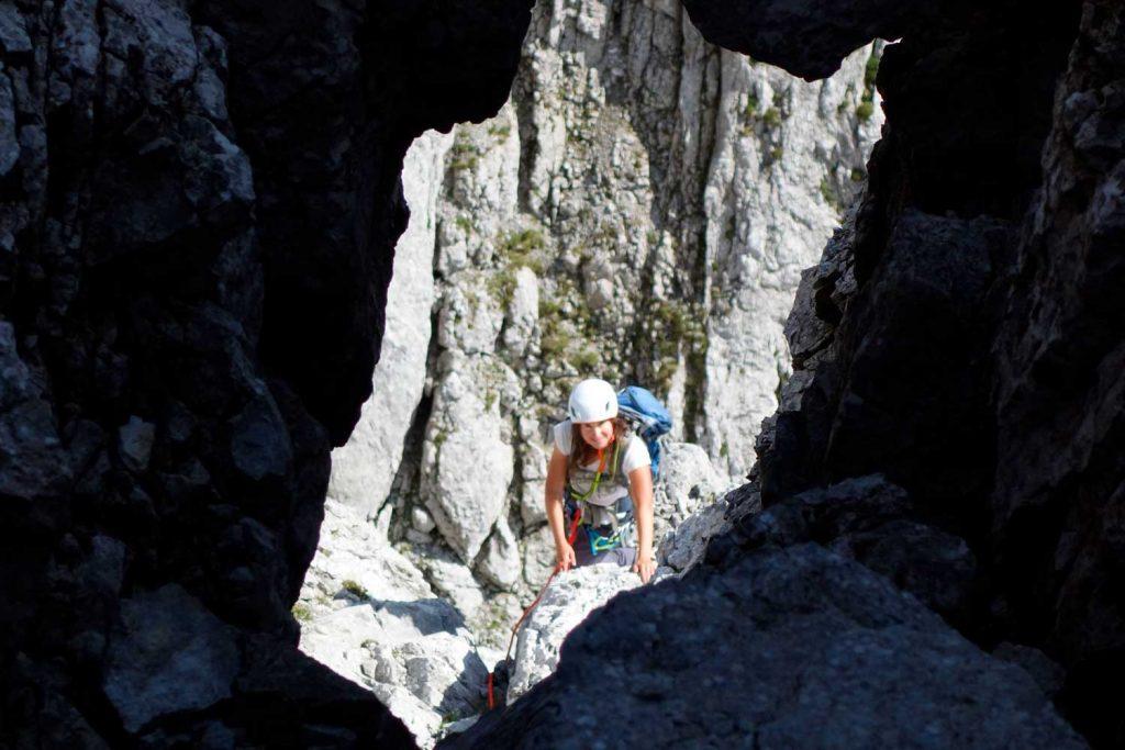 Kopftörlgrat-im-Wilden-Kaiser---Felsenloch-am-vierten-Turm